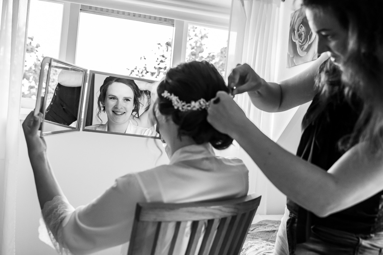 wedding photography getting ready